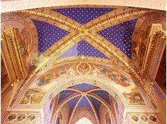 Google Image Result for http://cache.virtualtourist.com/4/4374610-Marvellous_ceiling_in_Gubbio_cathedral_Gubbio.jpg