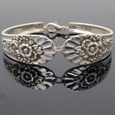 So so beautiful!  Spoon bracelet (large) Jubiliee Pattern by Dan Kemp, Ames, Iowa, USA