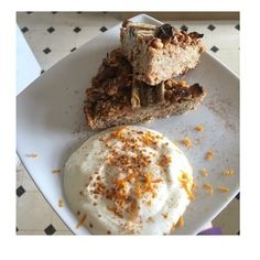 Banana and Carrot Oat Cake with Yoghurt Dip Gluten Free Recipes, Vegetarian Recipes, Protein Rich Foods, Carrot Recipes, Cupcake Cakes, Cupcakes, Meal Planning, Carrots, Dips