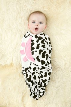 Even if you've never swaddled a baby before, the Cow Organic Simple Swaddle will make you a pro; the Simple Swaddle is the fastest and easiest way to safely swaddle your baby in seconds. Three perfect