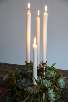 Adventsljusstake, diy advent, christmas decorations with candles and moss Winter Holidays, Winter Christmas, Christmas Holidays, Xmas, Handmade Home, Days Before Christmas, Diy Inspiration, Christmas Table Decorations, Decorating Tips