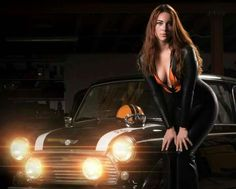 Amazing cars and women Mini Cooper Classic, Classic Mini, Classic Cars, Sexy Cars, Hot Cars, Mini Morris, Pin Up Car, Car Places, Mini Clubman