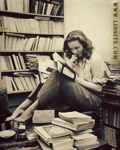 Martha Rivera Garrido – Non innamorarti Non innamorarti di una donna che legge, di una donna che sente troppo, di una donna che scrive… [..]  Da leggere fino in fondo ... per fare la scelta giusta! Letta da Arturo Delogu.  #MarthaRiveraGarrido, #donna, #poesiarecitata, #audiopoesia, #innamorarsi, #NonInnamorarti, #liosite, #citazioniItaliane, #frasibelle, #ItalianQuotes, #Sensodellavita, #perledisaggezza, #perledacondividere,