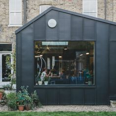 These amazing extension and renovation projects showing how high-quality design can make a big impact in even the tightest of spaces Black Cladding, Zinc Cladding, Exterior Cladding, House Extension Design, Roof Extension, Extension Ideas, Extension Google, House Design, London Architecture