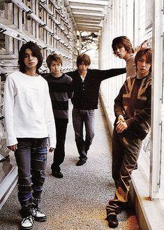 Arashi in the house YO! Cute Japanese Boys, You Are My Soul, Ninomiya Kazunari, Human Poses, Group Pictures, Japan Art, My Sunshine, Hipster, Actors