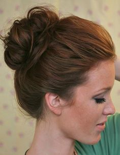 HAIR Hair 10 Second Top Knot Wedding Hair - Side Chignon by Parker Fitzgerald My Hairstyle, Pretty Hairstyles, Fringe Hairstyles, Wedding Hairstyles, Easy Bun Hairstyles For Long Hair, Lazy Girl Hairstyles, Super Easy Hairstyles, Bouffant Hairstyles, Perfect Hairstyle