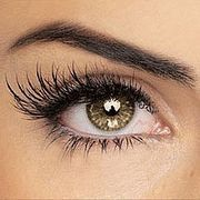 Do you ever dream about having long, lush eyelashes? There is a way to help boost your eyelash and even eyebrow growth without using commercial bought mascara products that claim to volumize and lengthen. This homemade remedy will enhance eyelash growth as well as strengthen, clean, highlight, and revitalize the hair.