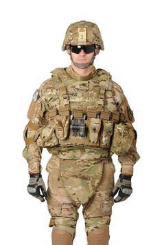 Presently US Soldier Military Photos, Military Gear, Military Weapons, Military Uniforms, The Rifleman, Assault Pack, Army Uniform, Character Design, Tactical Gear