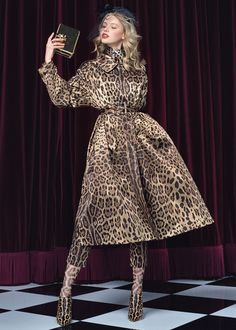 Dolce&Gabbana Women's Dance Collection for Summer 2017 Leopard Fashion, Animal Print Fashion, Fashion Prints, Fashion Design, Animal Prints, Leopard Prints, Fashion Week, Fashion Looks, Fashion Outfits