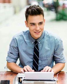 Hi I'm Jacob! I'm 18 and single. I'm a freshmen. Crushing...