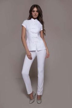 The Shanghai & Cordoba is a Fashionable spa uniform that amazes by its freshness, elegance & style! It perfectly matches any spa, wellness, medical centers with an oriental flair. Salon Uniform, Spa Uniform, Medical Uniforms, Work Uniforms, Look Office, Medical Scrubs, Medical Spa, Uniform Design, Cut And Style
