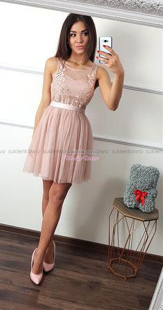 f3f28eb033 Sukienkowo.com - DONA - Tiulowa sukienka z koronką różowa