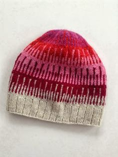 Shibui knits cliff hat- link to free pattern on Ravelry. Might do this in blue and brown for one of the boys Shibui knits cliff hat- link to free pattern on Ravelry. Might do this in blue and brown for one of the boys Knitting Patterns Free, Knit Patterns, Free Knitting, Free Pattern, Fair Isle Knitting, Knitting Yarn, Knit Or Crochet, Crochet Hats, How To Purl Knit