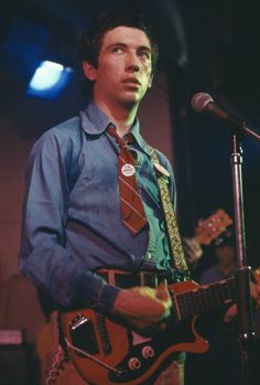 "Pete Shelley and his ""modified"" Eastwood Starway G"