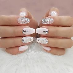 Here are 30 graduation nails designs to feel like a queen, from Nail Designs Jou. chinabtully Nails Here are 30 graduation nails designs to feel like a queen, from Nail Designs Journal: Your graduation is one of those essential events that Gorgeous Nails, Pretty Nails, Amazing Nails, Acrylic Nail Designs, Nail Art Designs, Acrylic Nails, Matte Nails, Coffin Nails, Glitter Nail Designs