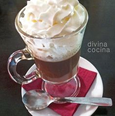 cafe-irlandes Drink Menu, Food And Drink, Chocolates, Cafe Express, Frappe, Coffee Cafe, Antipasto, Chocolate Lovers, Coffee Recipes
