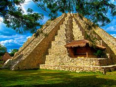 YUCATAN MEXICO - MAYAPAN MAYAN RUINS