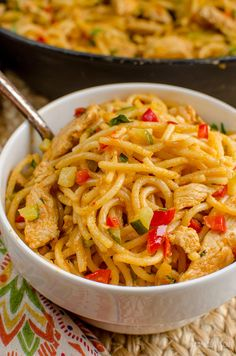 Slimming Eats - Slimming World Recipes Bang Bang Chicken Pasta l Slimming World Recipes