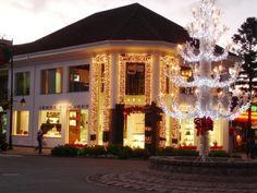 Decor Salteado - Blog de Decoração | Construção | Arquitetura | Paisagismo: Fachadas de casas/lojas decoradas para o natal!
