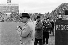Vince Lombardi is the greatest coach in NFL history and not just according to us. ESPN experts chose Lombardi as the top coach in their NFL coaching top Go Packers, Green Bay Packers, Football Field, Sport Football, Baseball, Nfl Playoffs, Nfl History, Vince Lombardi, National Football League