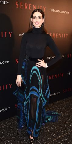 For a screening of Serenity, Anne Hathaway anchored a fully see-through Givenchy skirt with a Wolford bodysuit Anne Hathaway Style, Anne Hathaway Photos, Celebrity Outfits, Celebrity Look, New York January, January 27, Ny Style, Classy Outfits, Style