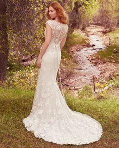 Vestido de Noiva de Maggie Sottero (Gretchen), corte sereia, decote ilusão, comprido, com mangas
