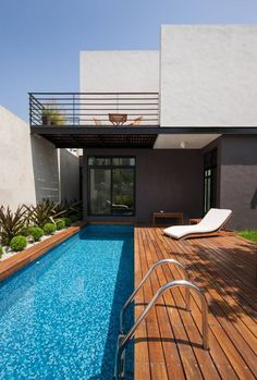 Stock Tank Swimming Pool Ideas, Get Swimming pool designs featuring new swimming pool ideas like glass wall swimming pools, infinity swimming pools, indoor pools and Mid Century Modern Pools. Find and save ideas about Swimming pool designs. Backyard Pool Designs, Swimming Pool Designs, Backyard Patio, Swimming Pools, Modern Backyard, Lap Pools, Backyard Ideas, Indoor Pools, Patio Design