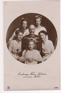 Archduke Franz Salvatore of Austria with his daughters.  What a precious photo.