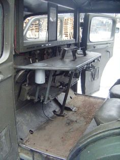 Volvo TP21 Sugga 125 Radio Table