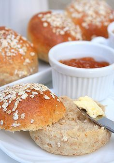 Petits pains complets moelleux
