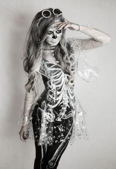 Skeleton fancy dress & makeup halloween BillieJeanStyle Skeleton Fancy Dress, Halloween Fancy Dress, Spooky Halloween, Halloween Makeup, Halloween Decorations, Halloween Costumes, Halloween Ideas, Fancy Dress Theme Ideas, Dress Ideas