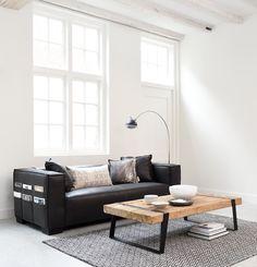 שולחן מעוצב מעץ טיק ממוחזר גולמי וברזל ממוחזר