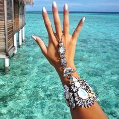 Luxury hand bracelet