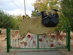 Pug gate by tastybit, via Flickr NEEEED!!!