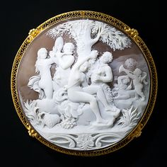Victorian Large Round Bacchanal Shell Cameo Brooch Set In 14k Yellow Gold Filigree Heart Frame