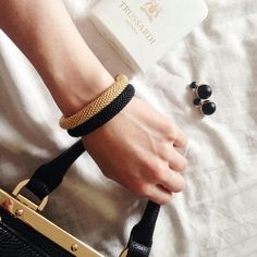 Браслеты из бисера #вяжуназаказ #бисерныйжгут Seed Bead Jewelry, Statement Jewelry, Seed Beads, Bead Crochet Rope, Asd, Leather Jewelry, Beaded Earrings, Crochet Necklace, Bracelets