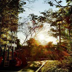 Kid's playground #nofilter #sg2012 #iphone4s #sg #singapore #sunset #playground #sunray #lights #ray #guosheng #guoshengz