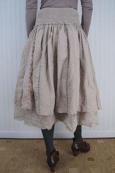 e5985c606928 Ewa i Walla Surat Skirt Back View with Gidigio Anne Shoe