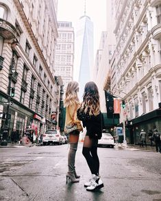 """adoir: """"sassyeh: """"more posts like this here! New York Pictures, New York Photos, Bff Pictures, Winter Pictures, Best Friend Pictures, Friend Photos, Chicago Pictures, Nyc Instagram, Videos Instagram"""
