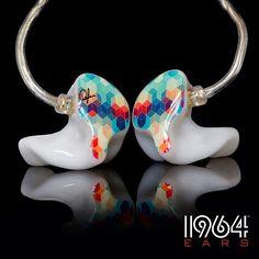 Custom art on the 1964 ears. Very creative!