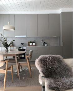 Greige Is the New Beige Kitchen Cabinets Craze Kitchen Room Design, Kitchen Cabinet Design, Modern Kitchen Design, Kitchen Interior, Interior Design Living Room, Kitchen Ideas, Modern Grey Kitchen, Minimalistic Kitchen, Kitchen White