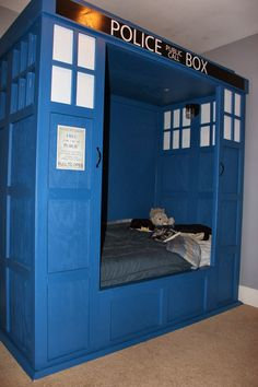 Doctor Who TARDIS bed build. Though I think I would put the front of the TARDIS at the foot of the bed, and not have panels on the side. Easier to make the bad I would think.