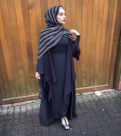 The most beautiful open abaya I own from @al_minah Hijab: Black Candy Stipe by @voilechic use code AALIYAH10 ✨