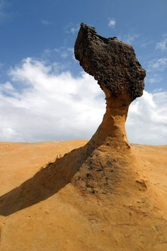 One of several rocks around the world that resemble the famous bust of Nefertiti, the Queen's Head is the most famous rock in Taiwan's Yehliu Geopark.     The queen is among many odd rocks in the area, formed as the sea eroded soft sedimentary rock. Because the layers of rock vary in hardness, some are eroded more quickly, which results in strangely shaped formations.    The park also has rocks that look like candles, mushrooms, ginger root, a dragon's head, a lion's head, bean curd, a bird…
