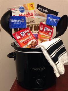 Silent Auction Basket - Crock pot basket for raffle! Theme Baskets, Themed Gift Baskets, Diy Gift Baskets, Basket Gift, Raffle Gift Basket Ideas, Family Gift Baskets, Homemade Gift Baskets, Fundraiser Baskets, Raffle Baskets