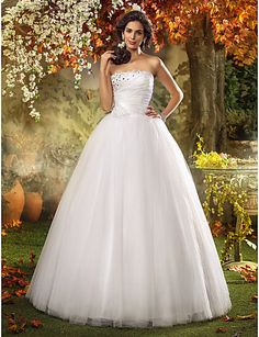 A-line Princess Strapless Sweep/Brush Train Tulle Wedding Dress - USD $ 449.99