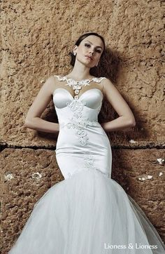 Couture wedding gown. French lace. Tailoring 2 months + shipping to Your city.