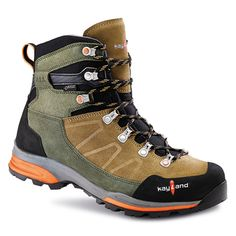 Kayland Backpacking Shoes: Boots for Men, Women, and young backpackers. Discover the features of upper, membrane, sole and tread. Men's Boots, Shoe Boots, Mens Winter Shoes, Backpacking Boots, Mens Boots Fashion, Waterproof Hiking Boots, Mountain Hiking, Mens Clothing Styles, Animal Kingdom