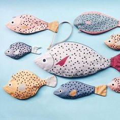 Don Fisher spends his time fishing Bonitos. These fish are handmade. Fish Crafts, Diy And Crafts, Fish Pencil Case, Don Fisher, Mobiles For Kids, Fabric Fish, Craft Projects, Sewing Projects, Patchwork Quilt