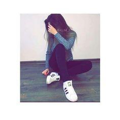 Teenage Girl Photography, Photography Poses Women, Tumblr Photography, Best Photo Poses, Girl Photo Poses, Girl Poses, Cute Girl Face, Cute Girl Photo, Stylish Photo Pose